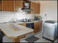 Kitchen - 8 square meters of property in Glenmarais (Glen Marais)