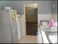 Kitchen - 14 square meters of property in Bromhof