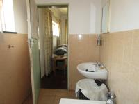 Main Bathroom - 5 square meters of property in Roseacre