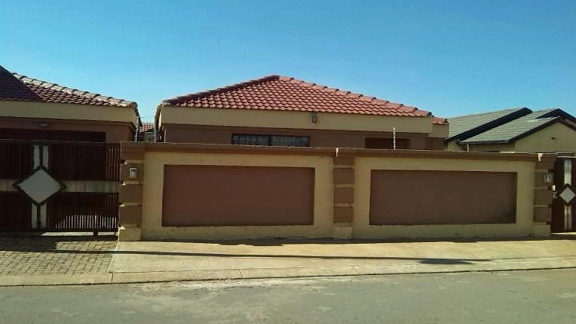 Tuscan Houses In Gauteng