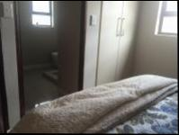 Bed Room 3 - 15 square meters of property in Blue Valley Golf Estate