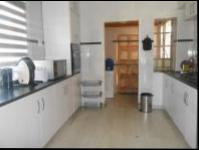 Kitchen - 18 square meters of property in Crosby