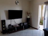 Lounges - 15 square meters of property in Sagewood