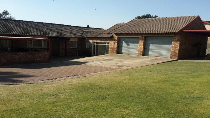 Standard Bank Repossessed 3 Bedroom House for Sale on online auction in Hoeveldpark - MR150968