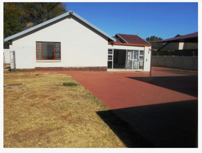 3 Bedroom House for Sale For Sale in Rooihuiskraal - Private Sale - MR151024