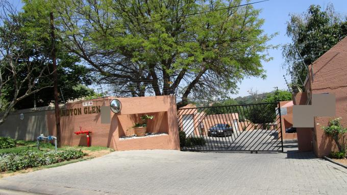 Standard Bank Insolvent 3 Bedroom Sectional Title for Sale For Sale in Buccleuch - MR151036