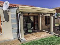 3 Bedroom 2 Bathroom Sec Title for sale in Bloemfontein