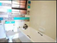 Bathroom 1 - 8 square meters of property in Ballito