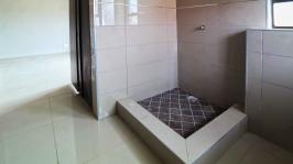 Main Bathroom - 7 square meters of property in Heron Hill Estate