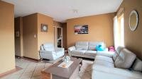 Lounges - 14 square meters of property in Centurion Central (Verwoerdburg Stad)