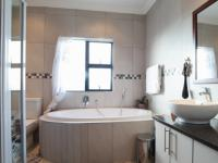 Main Bathroom - 9 square meters of property in Heron Hill Estate