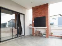 Patio - 44 square meters of property in Heron Hill Estate