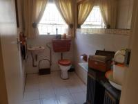Bathroom 3+ of property in Sunward park