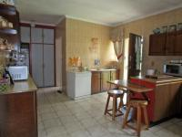 Kitchen - 31 square meters of property in Sunward park