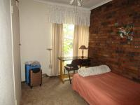 Bed Room 1 - 18 square meters of property in Sunward park