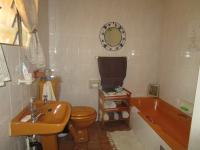 Main Bathroom - 7 square meters of property in Sunward park