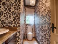 Bathroom 1 - 14 square meters of property in Boardwalk Manor Estate