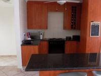 Kitchen - 23 square meters of property in Thatchfields