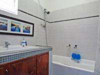 Bathroom 1 - 7 square meters of property in Waterkloof Ridge