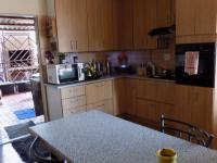Kitchen - 20 square meters of property in The Reeds