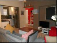Lounges - 10 square meters of property in Fourways