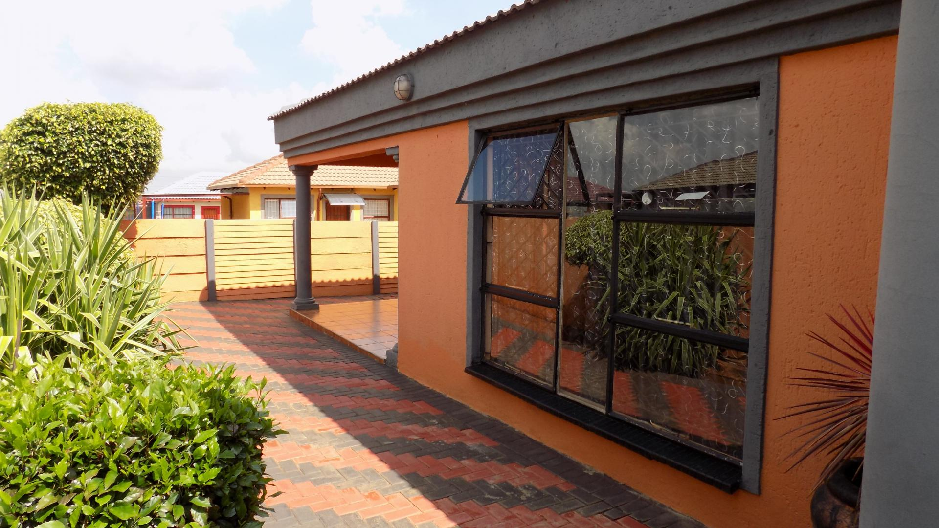 3 Bedroom House For Sale For Sale In The Orchards