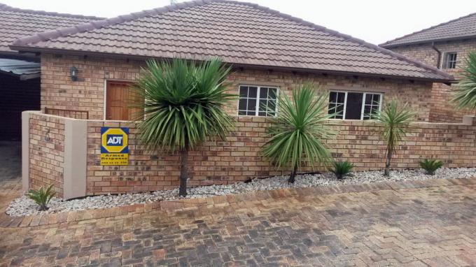 2 Bedroom Simplex for Sale For Sale in Rooihuiskraal North - Private Sale - MR151774