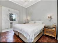 Main Bedroom of property in Parktown North