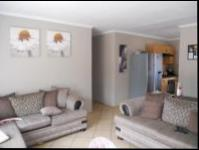 Lounges - 22 square meters of property in Karenpark