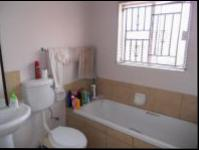 Bathroom 2 - 4 square meters of property in Karenpark