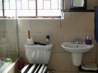 Bathroom 1 - 4 square meters of property in Malmesbury