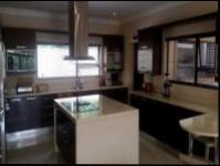Kitchen of property in Summerset