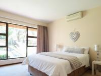 Main Bedroom - 27 square meters of property in Silver Lakes Golf Estate