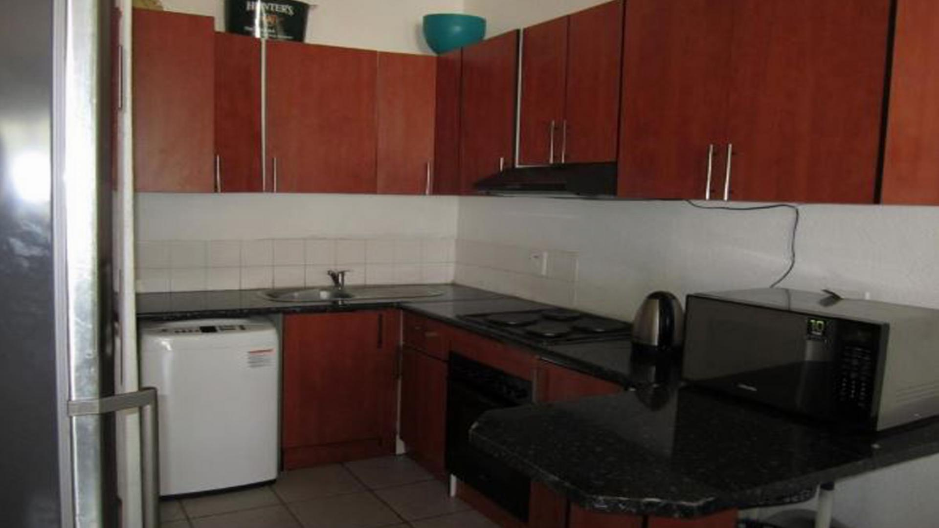 2 bedroom sectional title for sale for sale in ridgeway for Affordable kitchens gauteng