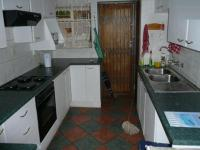 Kitchen - 12 square meters of property in Faerie Glen