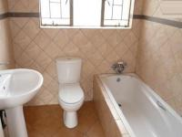 Main Bathroom - 5 square meters of property in Clarina