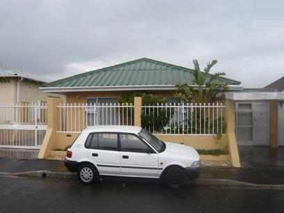 3 Bedroom House for Sale For Sale in Wynberg - CPT - Home Sell - MR15237