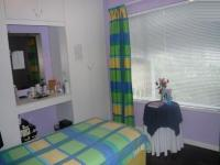 Bed Room 1 - 13 square meters of property in Wynberg - CPT