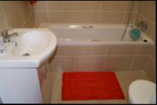 Bathroom 1 - 5 square meters of property in Margate