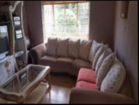 Lounges - 27 square meters of property in Terenure