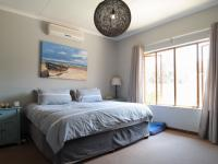 Main Bedroom - 21 square meters of property in Silver Lakes Golf Estate