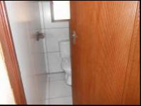 Guest Toilet - 2 square meters of property in Randfontein