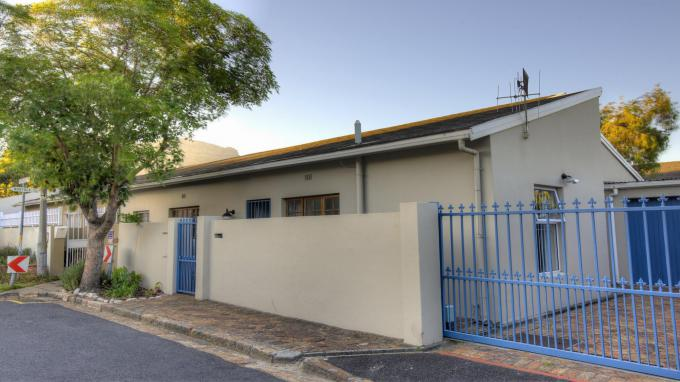 3 Bedroom House for Sale For Sale in Claremont (CPT) - Home Sell - MR152468