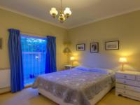 Main Bedroom - 16 square meters of property in Claremont (CPT)