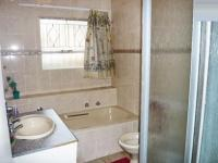 Bathroom 1 - 7 square meters of property in Buccleuch