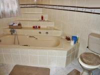 Main Bathroom - 10 square meters of property in Buccleuch