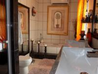 Main Bathroom - 7 square meters of property in Boschdal