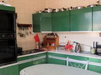 Kitchen - 11 square meters of property in Robertsham