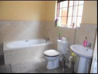Bathroom 1 - 11 square meters of property in Theresapark