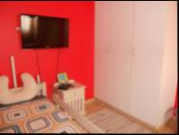 Bed Room 2 - 11 square meters of property in Theresapark